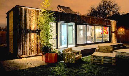 Maison container dans les bois ventana blog for Maison dans container